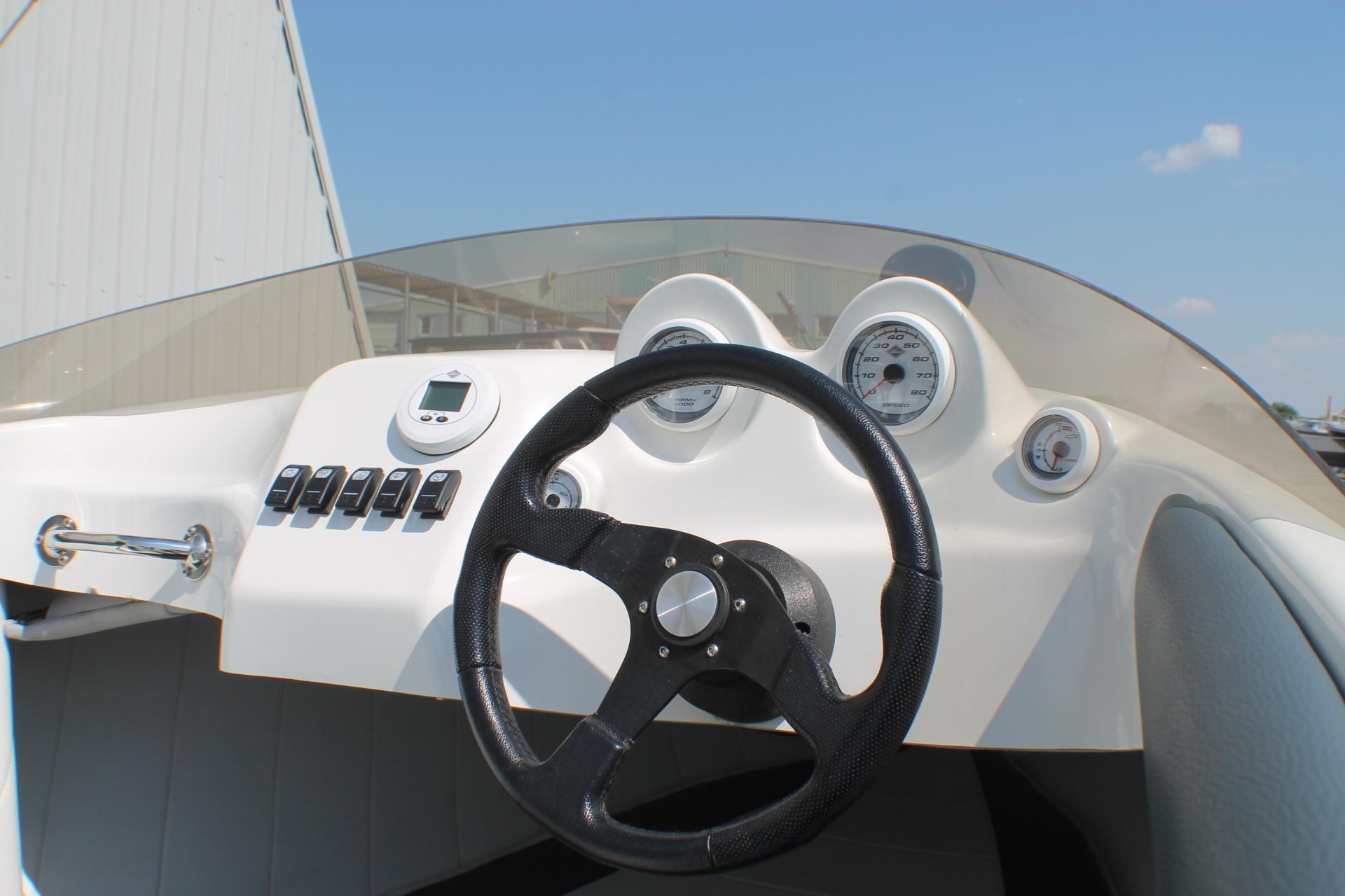Motorkruisers en Jachten Tom-Car-Boats Tintorera foto 10