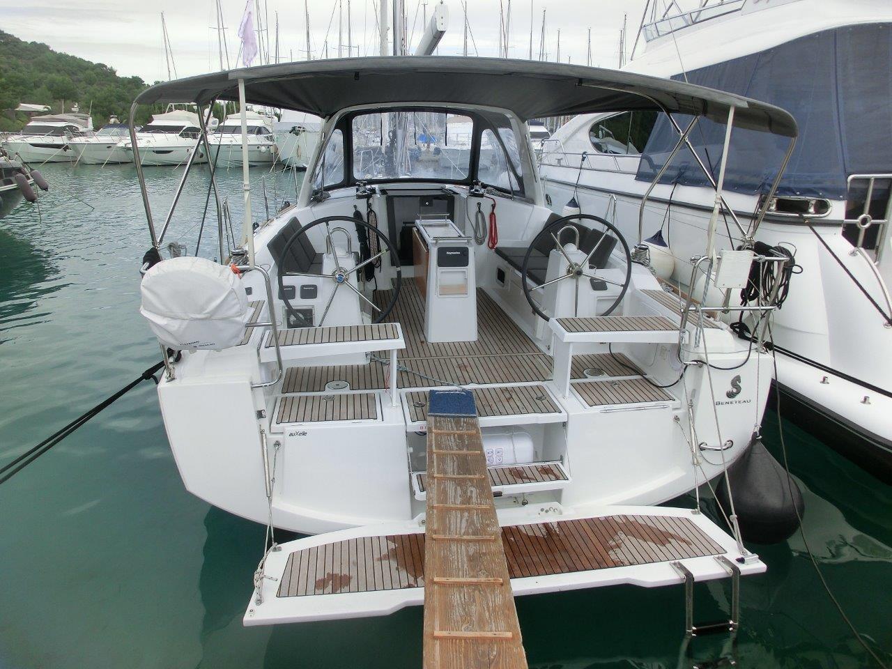 Kajuitzeilboten en Zeiljachten Beneteau Oceanis 38 Oceanis 38-3 Cruiser foto 2