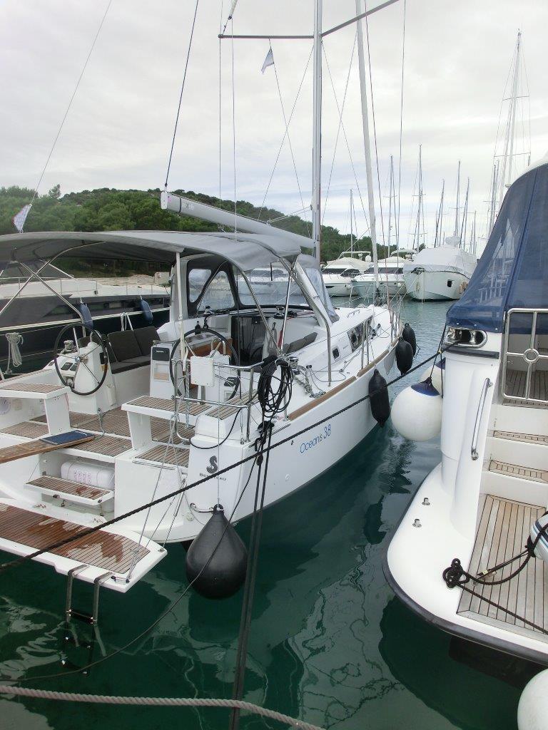 Kajuitzeilboten en Zeiljachten Beneteau Oceanis 38 Oceanis 38-3 Cruiser foto 3