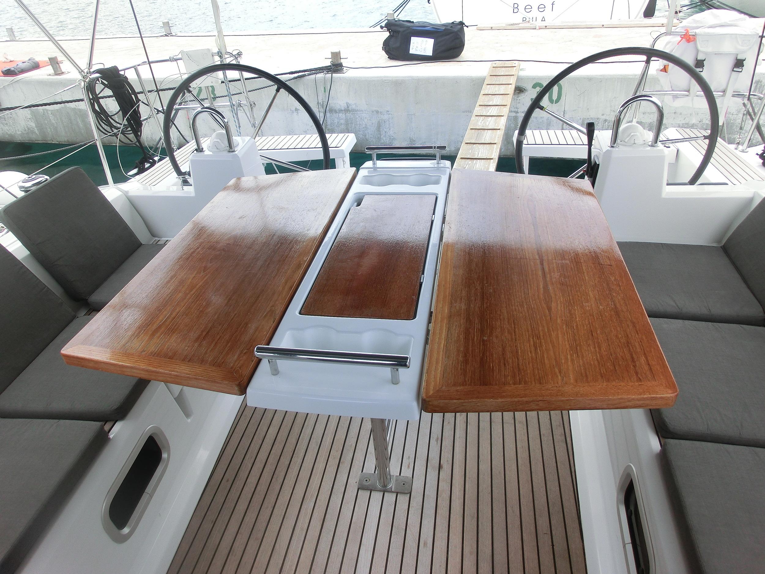 Kajuitzeilboten en Zeiljachten Beneteau Oceanis 38 Oceanis 38-3 Cruiser foto 5
