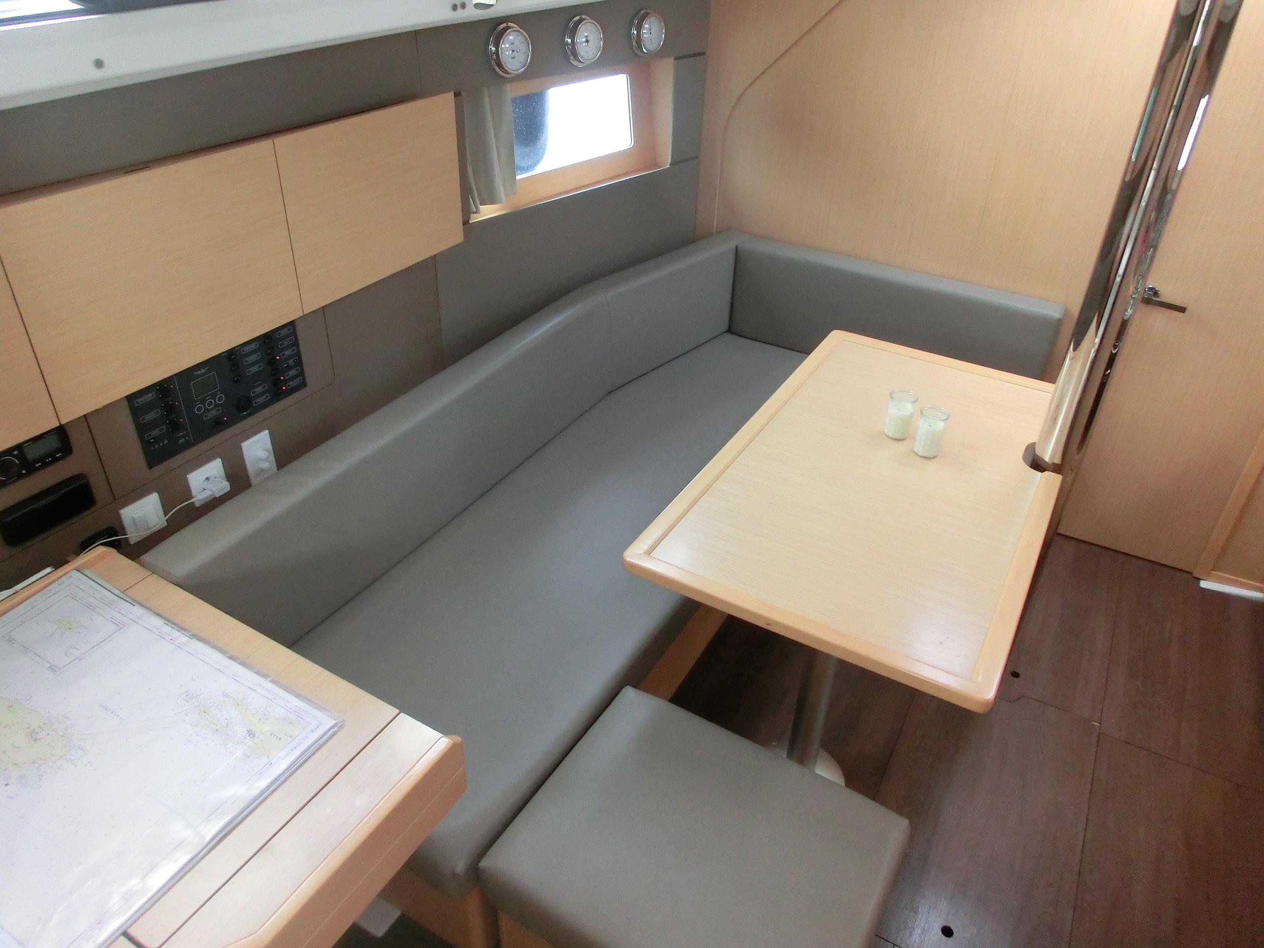 Kajuitzeilboten en Zeiljachten Beneteau Oceanis 38 Oceanis 38-3 Cruiser foto 8