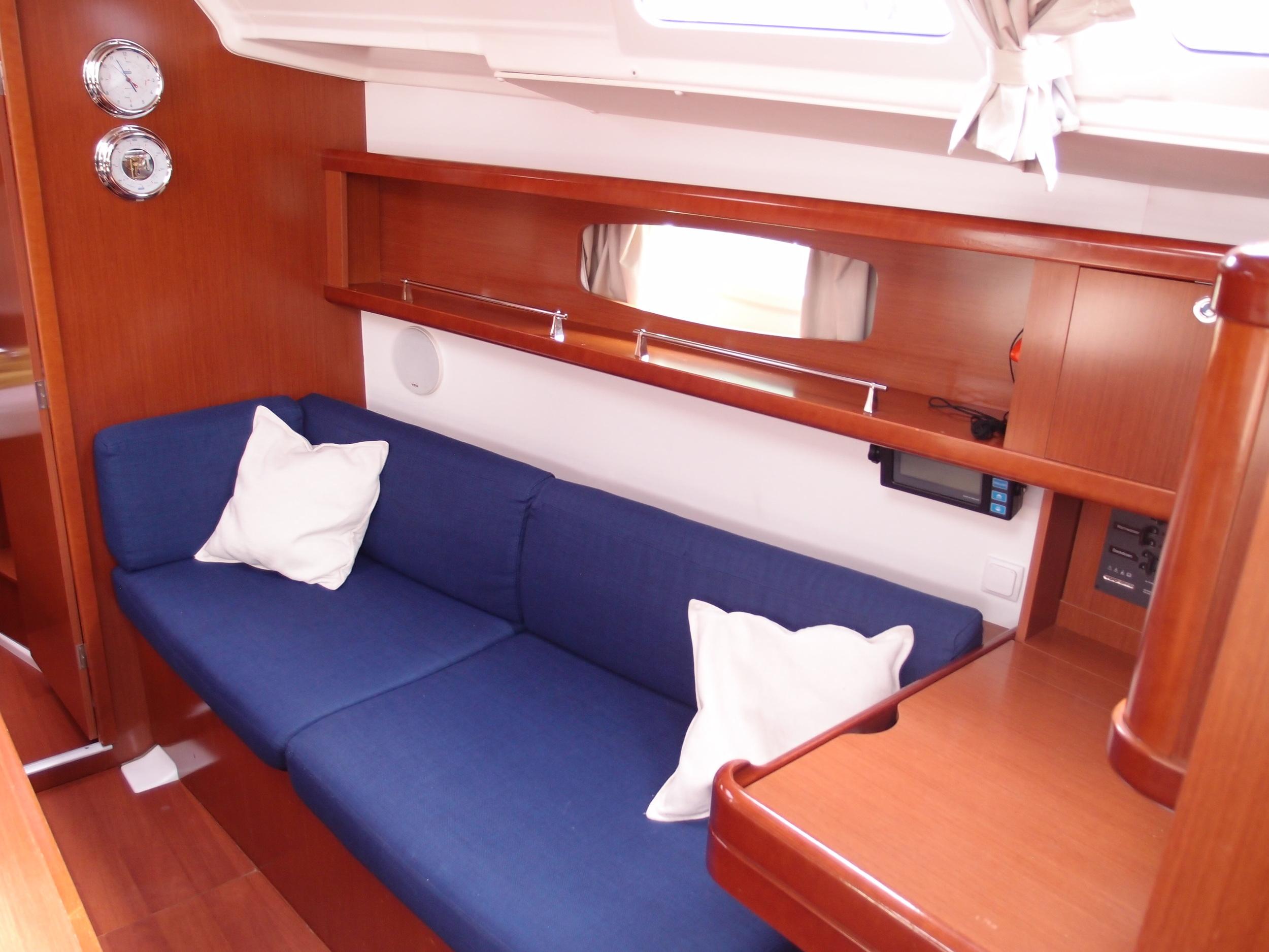 Kajuitzeilboten en Zeiljachten Beneteau Oceanis 37 Oceanis 37 foto 4