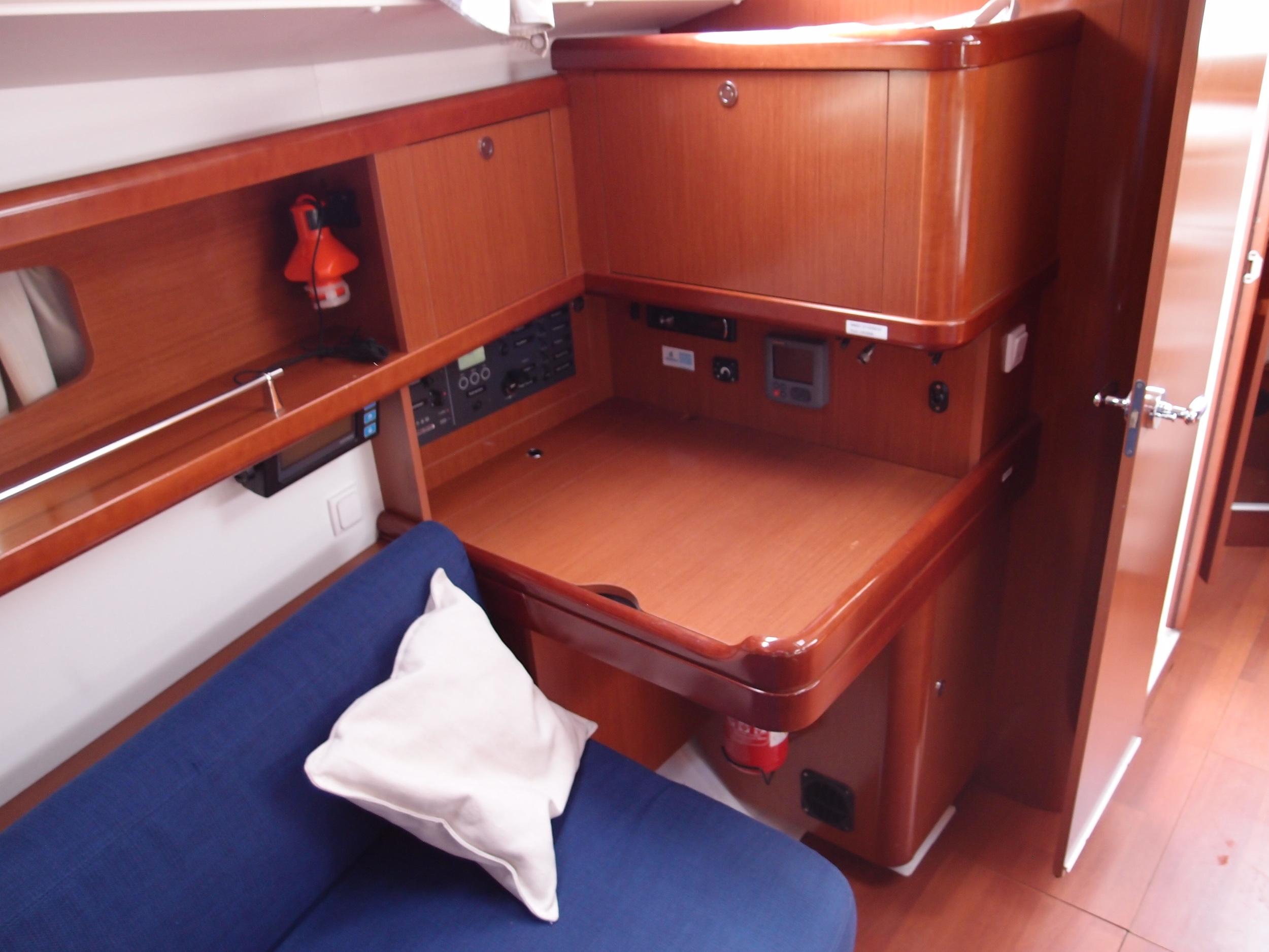 Kajuitzeilboten en Zeiljachten Beneteau Oceanis 37 Oceanis 37 foto 6