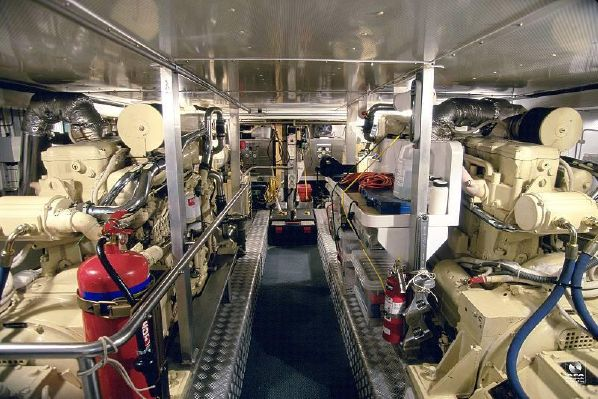 Kajuitzeilboten en Zeiljachten Alloy Yachts Pilothouse foto 10